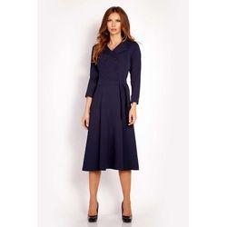 38f74526b2 Granatowa sukienka midi z wykładanym kołnierzem