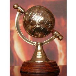 Metalowy złocisty globus