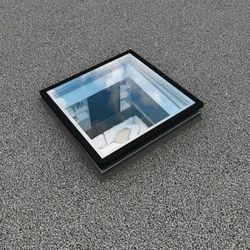 Okno do płaskiego dachu Fakro DEG P2 80x80
