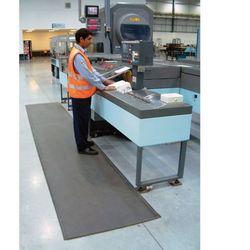 Mata piankowa z utwardzaną powierzchnią PVC, szerokość 90 cm, rolka 10m