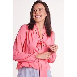 Różowa bluzka z szarfą